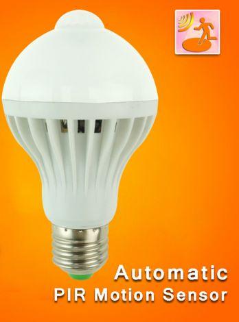 CTB LED Lyspære inteligent pære som tennes ved bevegelse 7W E27 hvit